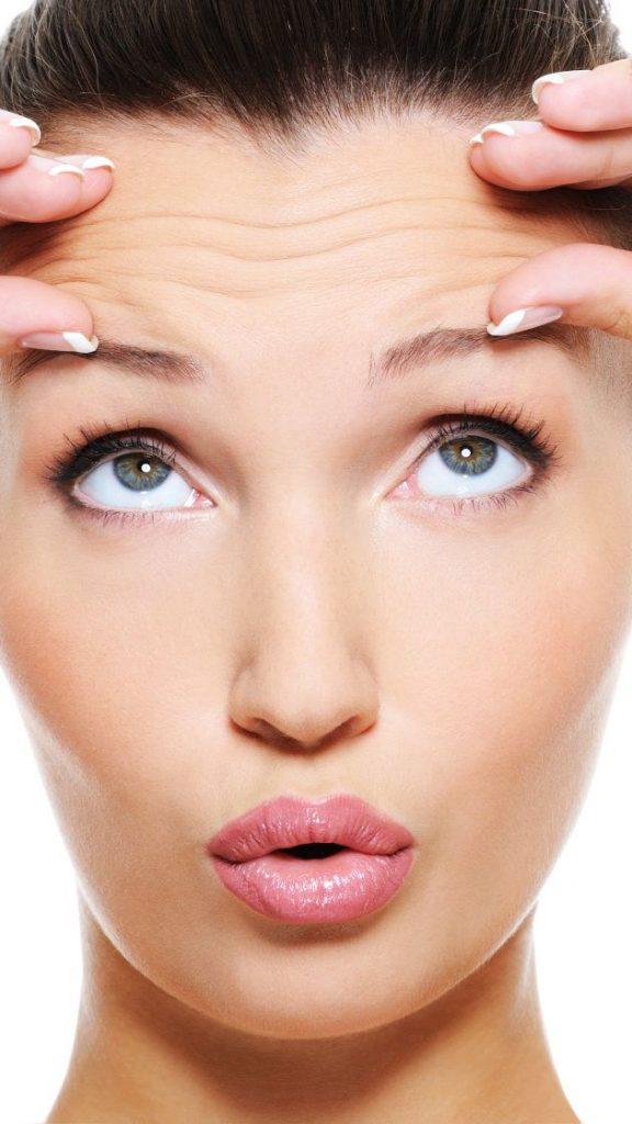 massage du visage à la maison : Massez le bas de votre visage pour lutter contre les bouffissures
